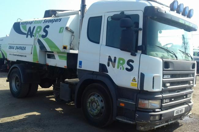 2003 Scania 4-SRS 230 Johnston 600 Road Sweeper 2