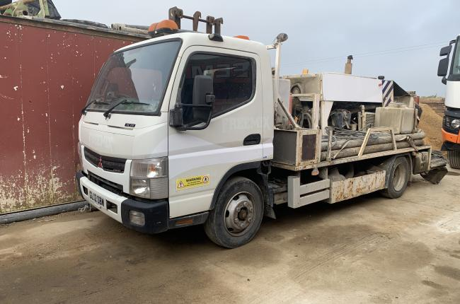2012 Mitsubishi Canter with Concrete Pump