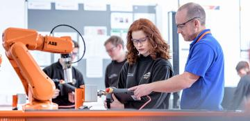 UK engineer firms leading the way in apprentice recruitment