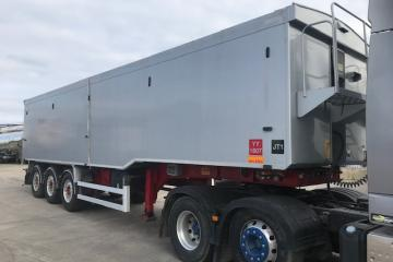 2012 Wilcox 67 Cubic Yard Plank Sided Tipping Trailer