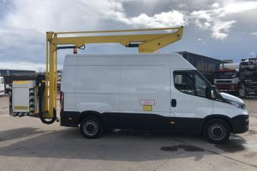 2016 Iveco Daily 35S13 MWB w/ Lift