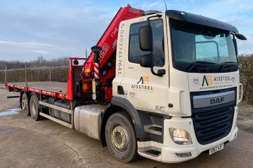 2017 DAF CF370 Flatbed with Fassi Crane