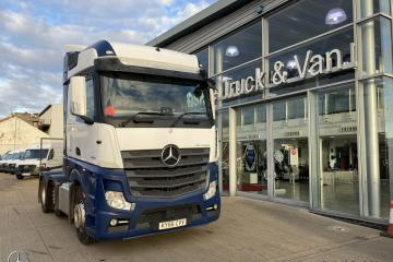 2017 66 Mercedes Benz Actros 2551 LS VLA 6x2/2 Twin Bunk